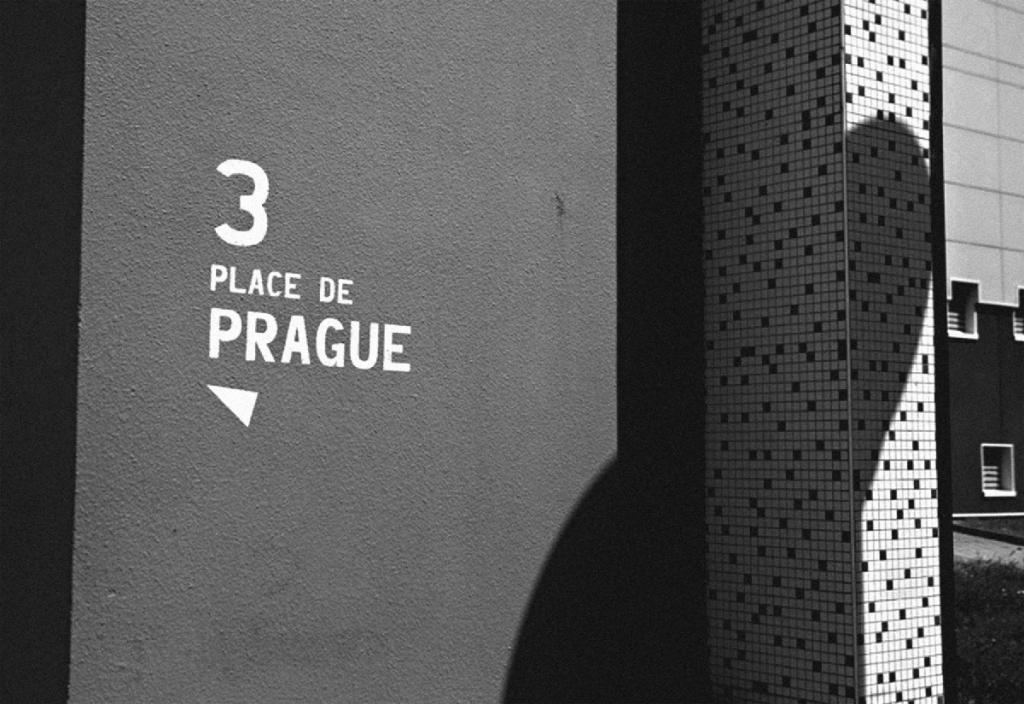 ❍ Praha mono